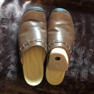 Women's Keen slide on clogs size 11